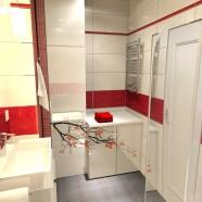 Łazienka biało – czerwona