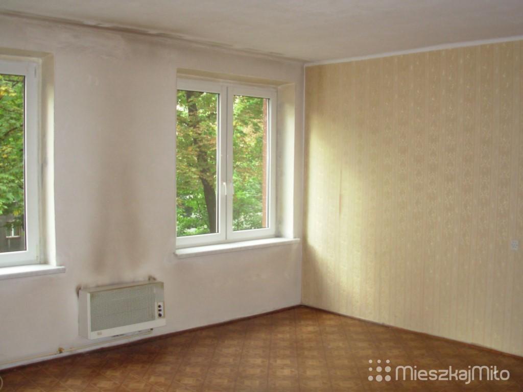 salon przed remontem - Zabrze (Medium)